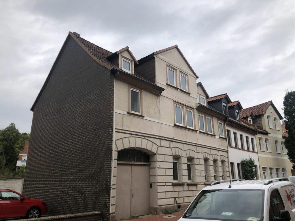 Bereits entkerntes Einfamilienhaus mit Nebengelass (Citylage)
